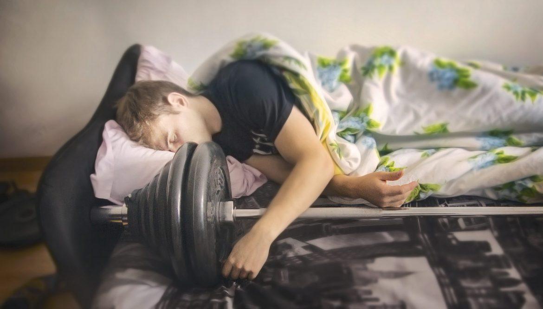 Bodybuilding & Schlaf: Wie man Muskelwachstum während des Schlafs maximiert